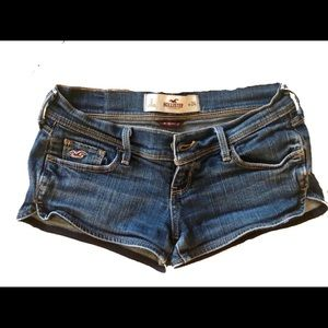 Size 24 Hollister super sexy and short blue denim